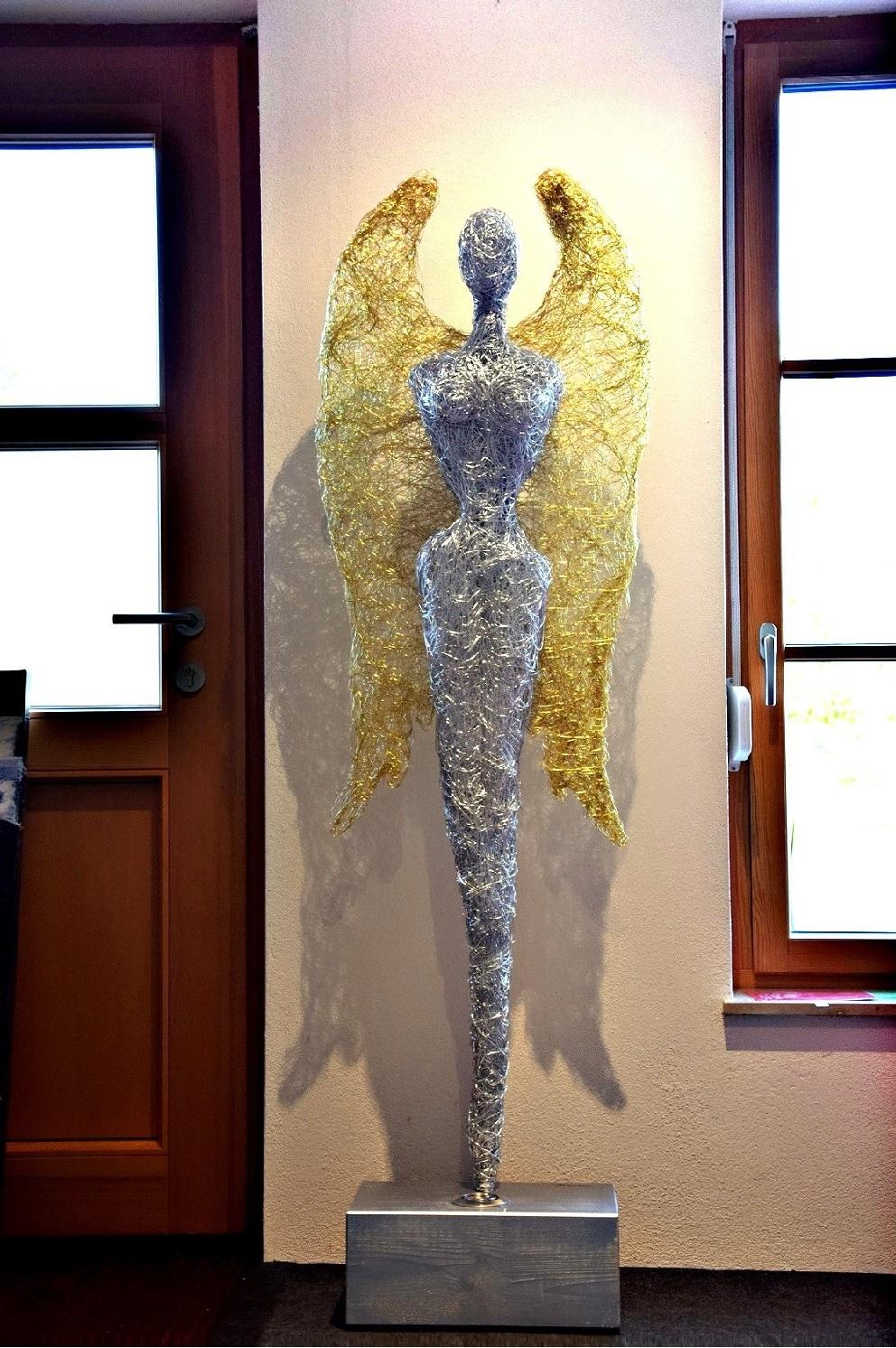 Engel mit goldenen Flügeln, Skulptur / Accessoire günstig online kaufen