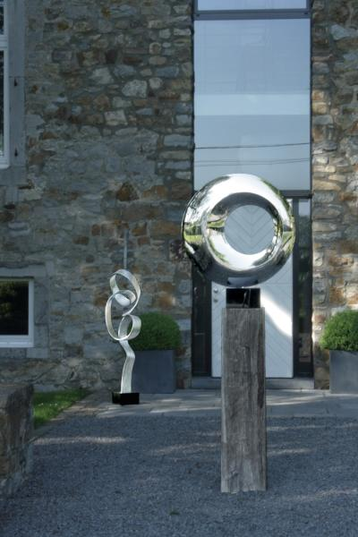 eclipse circle sculpture edelstahl skulptur accessoire. Black Bedroom Furniture Sets. Home Design Ideas
